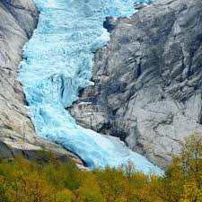 نمایی دیدنی از آلاسکا و رودخانه های یخ زده