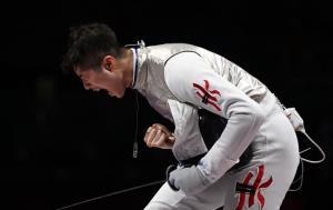 جشن مدال طلای این ورزشکار سیاسی شد!