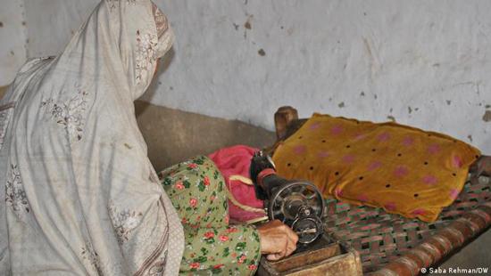 طالبان چگونه زندگي اين زن را سياه کرد؟