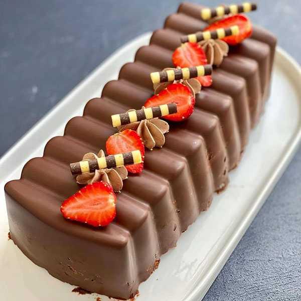 طرز تهيه کيک شکلاتي يخچالي خوشمزه با طعم فوق العاده