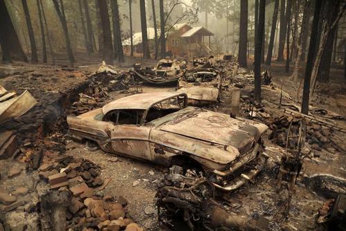 تصویری غم انگیز از خاکستر خانه و زندگی در جنگل های کالیفرنیا