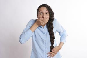 چرا آروغ زدن برای سلامت ما حیاتی بوده و ناتوانی در انجام آن یک بیماری است؟