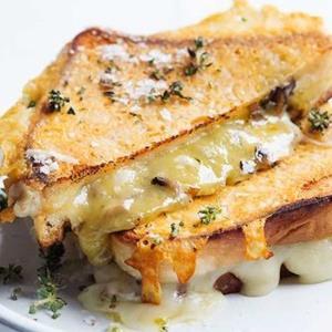 «ساندویچ تست» یک میان وعده ساده و خوشمزه به روش مستر تابه