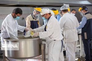 ۵۰۰ دیگ غذا در اراک طبخ و بین نیازمندان توزیع میشود