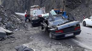 ریزش سنگ در جاده هراز یک کشته برجای گذاشت