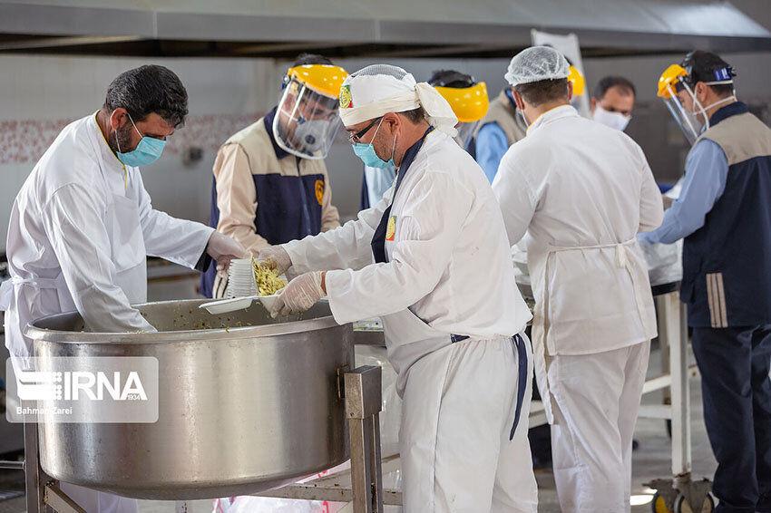 ۵۰۰ ديگ غذا در اراک طبخ و بين نيازمندان توزيع ميشود