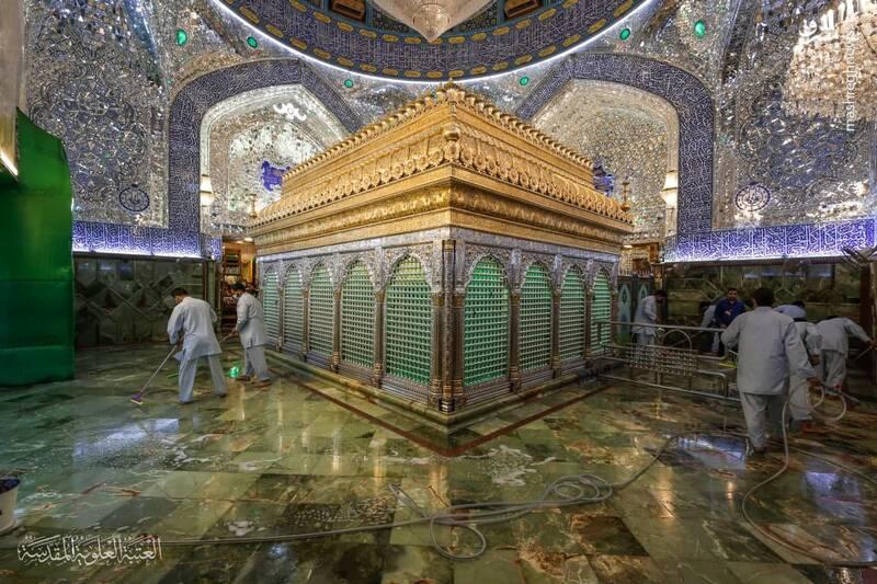 عکس/ غبارروبی حرم حضرت علی(ع)