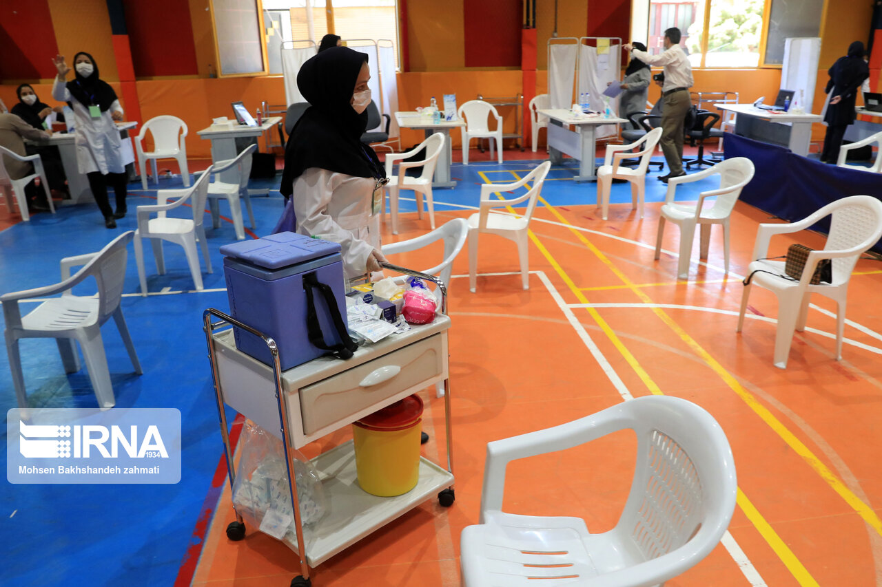 رئيس مرکز بهداشت تبريز: واکسيناسيون کرونا طي روزهاي تعطيل هم در تبريز انجام ميشود