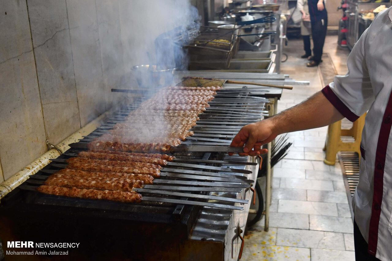 عکس/ اطعام روز عید غدیر در مناطق حاشیه تهران