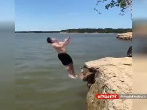 پرش خنده دار یک شناگر