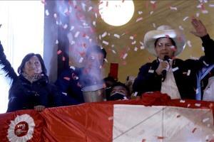 معلم روستایی به عنوان رئیسجمهور جدید «پرو» سوگند یاد کرد