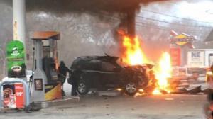 زن خونسردی که پمپ بنزین را به آتش کشید