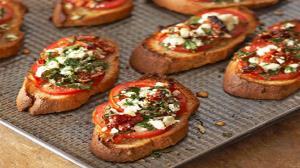 طرز تهیه بروشتا پیشغذای ایتالیایی