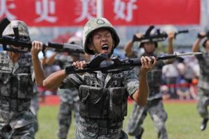 آمادهباش سربازهای چینی