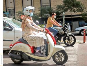 زنان موتورسوار پشت خط قانون