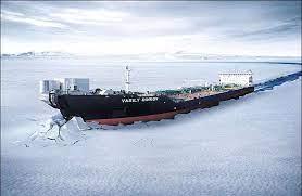 یخ شکن غول آسای روسی در دریای شمالی