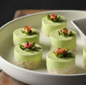 فینگرفود «راتا مرغ و پسته» یک پیشنهاد عالی برای مهمانی ها