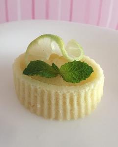 کیک لیمو ترش و نعناع
