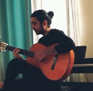 خوانندگی و گیتارنوازی محزون از کسری زاهدی