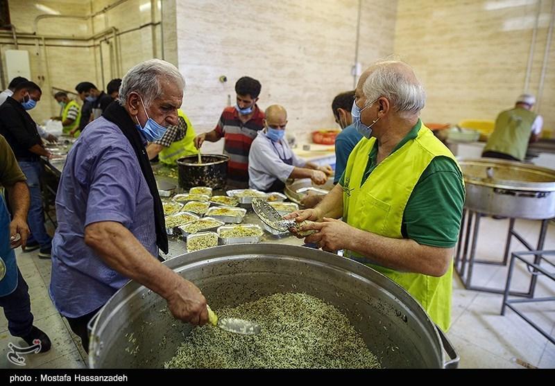 طبخ و توزیع غذای گرم به مناسبت ولادت امام موسی کاظم(ع) در گرگان