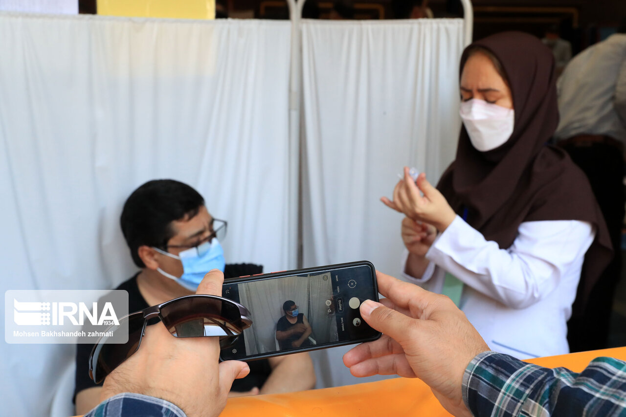 ۳۰ هزار استاد دانشگاه در مرداد ماه واکسینه میشوند