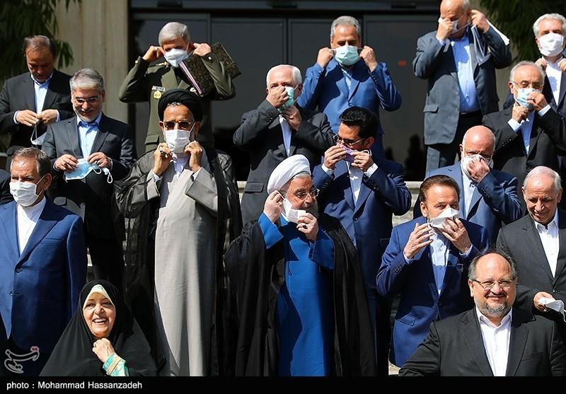 عکس/ برداشتن ماسک ها برای آخرین عکس یادگاری دولت تدبیر