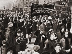 نان و گلهای سرخ؛ نقش زنان در شورشهای نان