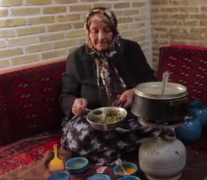 «دوغ گرمه» غذای اصیل و سنتی اراکی ها به روش مامان بزرگ