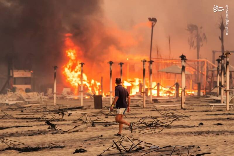 عکس/ آتش سوزی بر اثر وزش بادهای داغ در ایتالیا