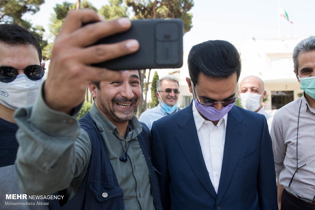 آخرین سلفی های خبرنگاران با وزرای دولت دوازدهم