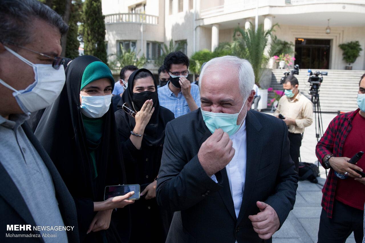 عکس/ واکنش های ظریف در آخرین جلسه دولت