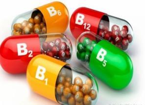 ۶ آسیب احتمالی مصرف خودسرانه مکمل های ویتامینی