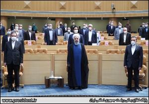 تعریف و تمجید مقامات ارشد دولت از رئیسجمهور؛ از خدمات هشت ساله روحانی قدردانی شد