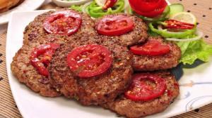 طرز تهیه «کباب چپلی» افغانستانی؛ یک غذای فوق العاده خوشمزه