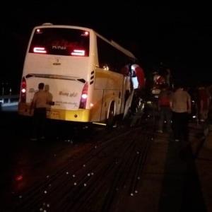 تصادف اتوبوس با تریلر در جاده کاشان- قم با ۲۲ مصدوم