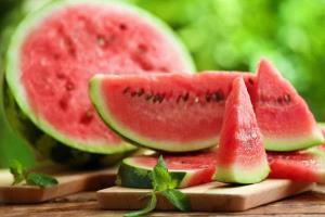 6 دلیل برای خوردن هندوانه