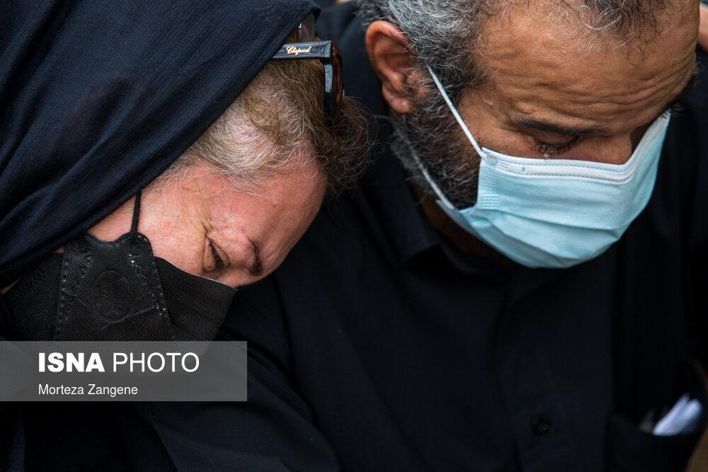 عکس/ سوگواری در مراسم چهلمین روز درگذشت «مهشاد کریمی»