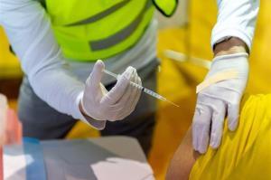 کرونا/ چقدر احتمال دارد بعد از تزریق واکسن، کرونا بگیریم؟