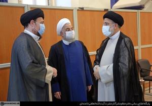 تصویری از سیدحسن خمینی، رئیسی و روحانی در مراسم تنفیذ
