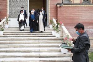 روحانی دفتر ریاست جمهوری را به رئیسی تحویل داد