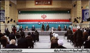 حاشیههای دیدنی از مراسم تنفیذ هشتمین رئیس جمهور ایران