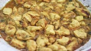 طرز تهیه زرشک پلو دمی با مرغ و کرفس