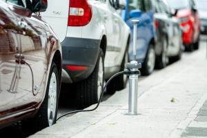 اولین ایستگاه شارژ جمعشونده برای خودروهای برقی در لندن افتتاح شد