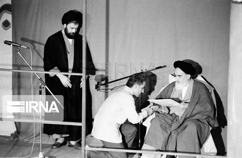 نگاهی به دوازده دوره مراسم تنفیذ رئیسان جمهوری اسلامی ایران