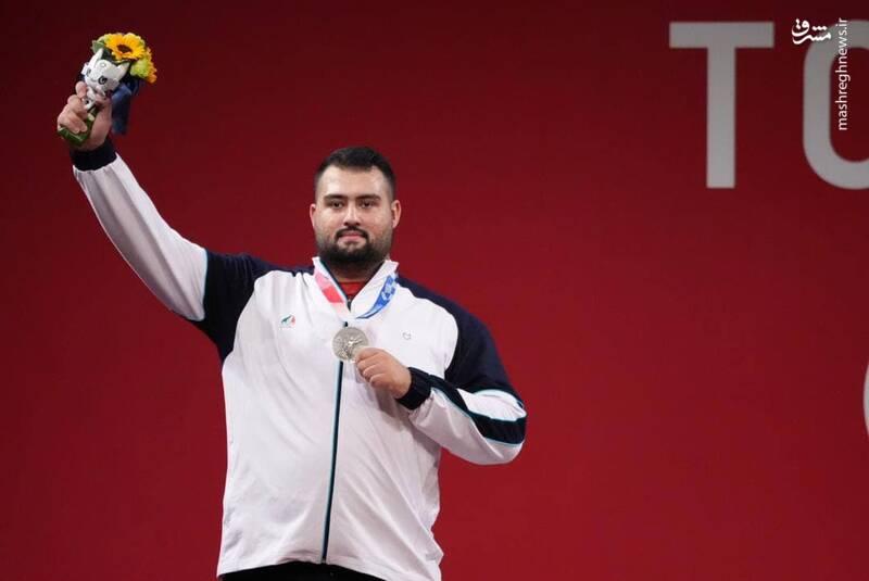 عکس/ اولین مدال نقره ایران بر گردن علی داوودی