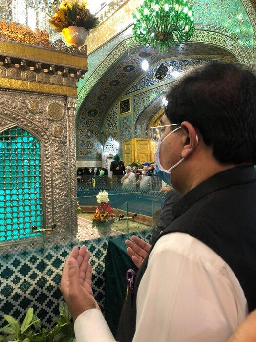 عکس/ تشرف رئیس سنای پاکستان به حرم امام رضا (ع)