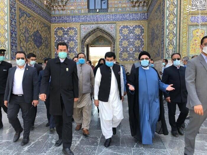 تشرف رئیس سنای پاکستان به حرم امام رضا(ع)