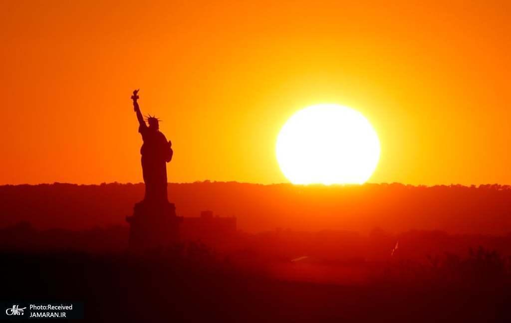 غروب خورشید در نیویورک، ایالات متحده