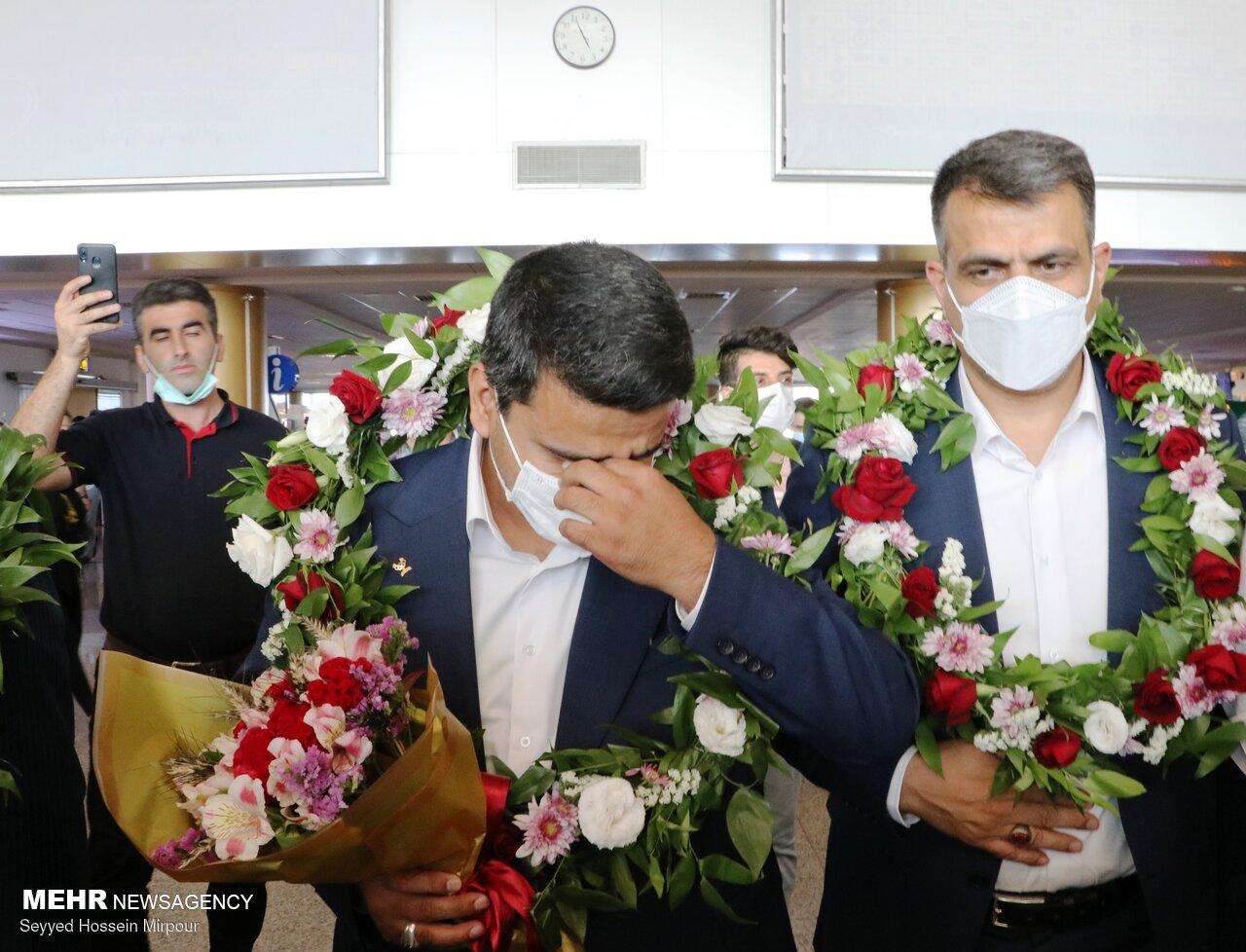 عکس/ ورود قهرمان طلایی ایران در المپیک به مشهد