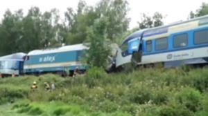 تصاویری از محل وقوع تصادف مرگبار دو قطار سریع السیر